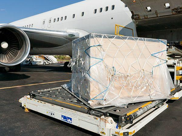 Incoterm EXW en el transporte aéreo de mercancías.